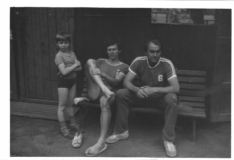 Hrající ustaraný trenér na Albertově v roce 1987