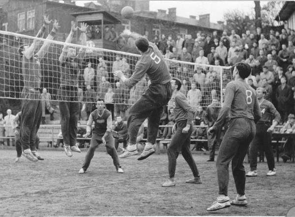 VŠ Praha - Dukla Kolín 1963 na Albertově